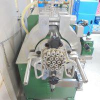 トーシン製プランジャー押出機_TP150-2 (2)