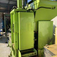 油研工業製ペットボトル圧縮梱包機及び結束機 (8)